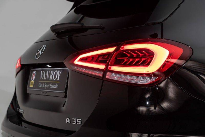 "Mercedes-Benz A-Klasse A35 AMG 306pk 4Matic AeroPack Panoramadak Nightpakket Schaalstoelen+Memory Widescreen Burmester AmbientLight Multibeam RideControl SuperSportStuur ComandOnline Full-Led 19"" Parktronic Camera Pdc afbeelding 8"