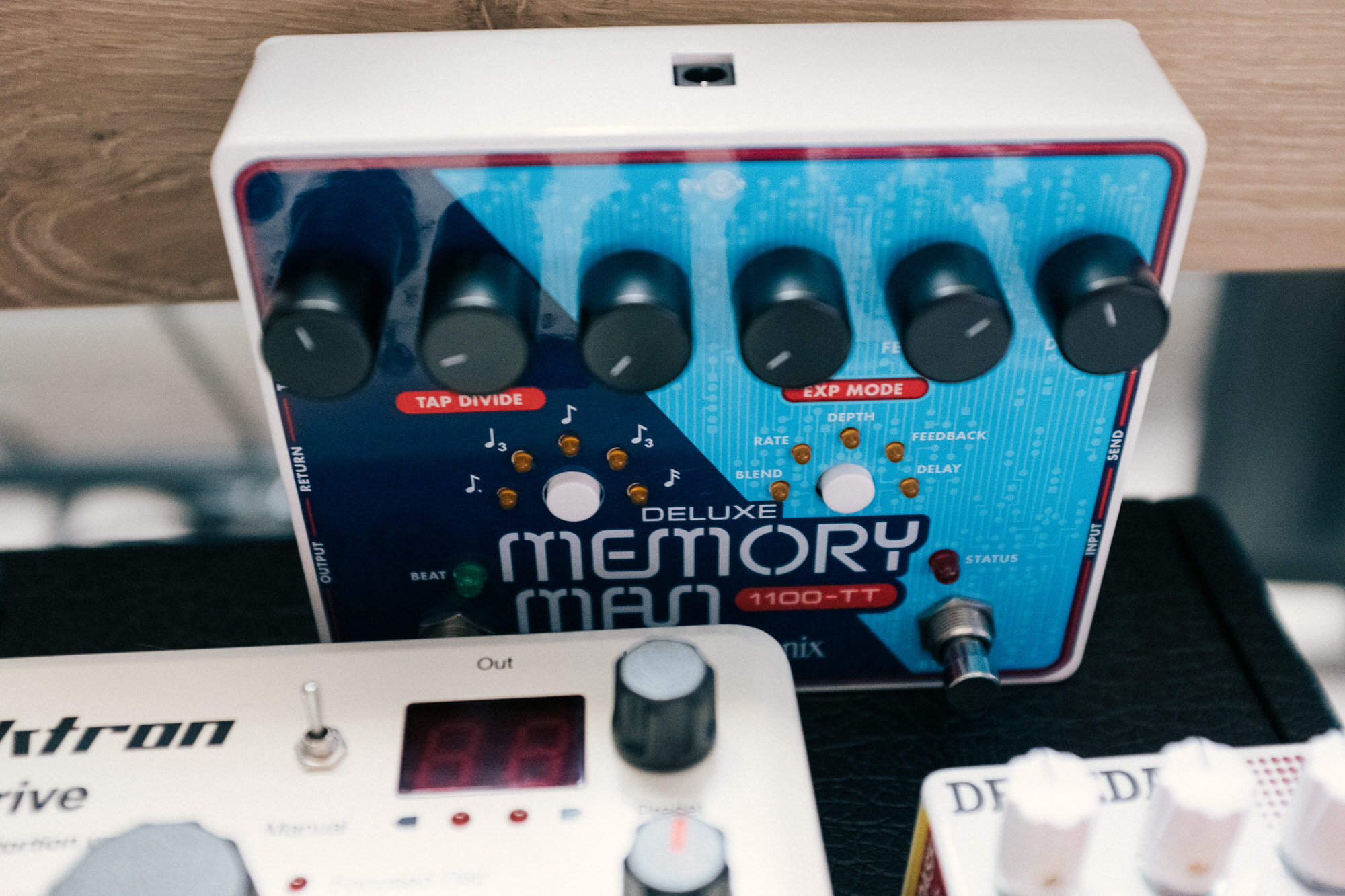 An image of the Electro-Harmonix Deluxe Memory Man.