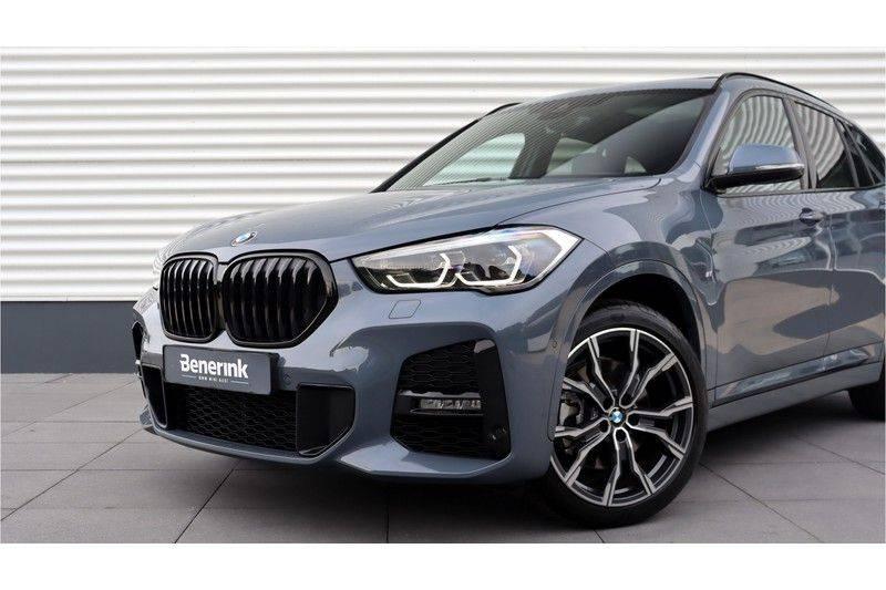 BMW X1 xDrive20i High Executive M Sport Panoramadak, Head-Up Display, Leder, Trekhaak afbeelding 7