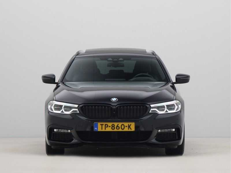 BMW 5 Serie Touring 530i High Executive M-Sport Automaat afbeelding 3