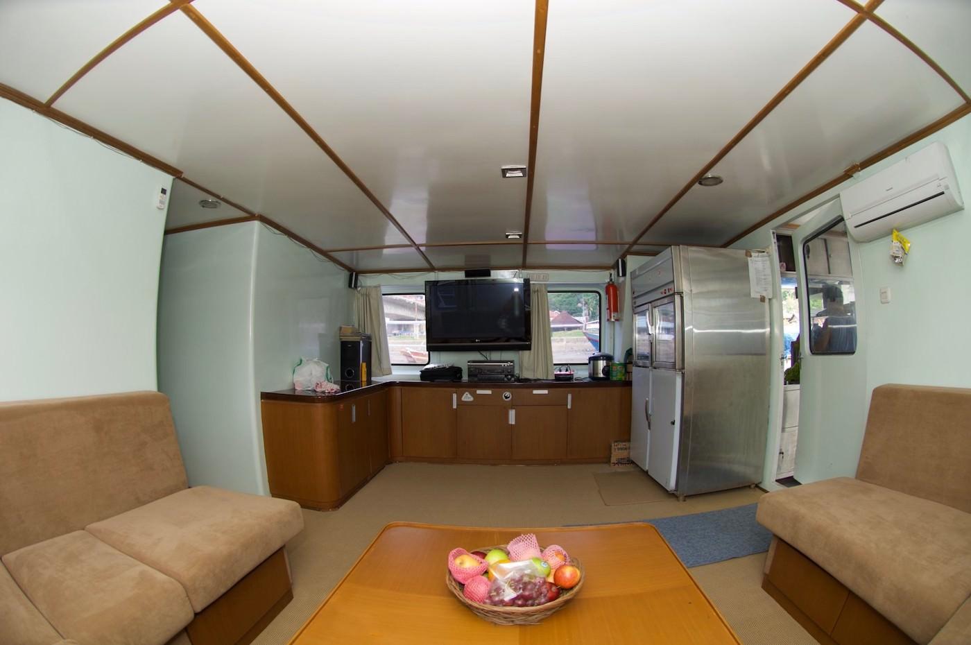 King Millenium 2 Surf Charter Catamaran Mentawai Telos Nias Interior