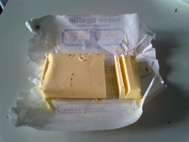 • I 125 g (- 25) di burro