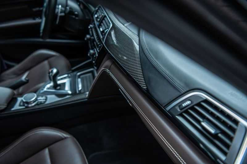 BMW 3 Serie M3 Competition DCTA, 450 PK, Facelift, Akrapovic, Harman/Kardon, Head/Up, LED, Surround View, Carbon, 2017, Org. NL!! afbeelding 17
