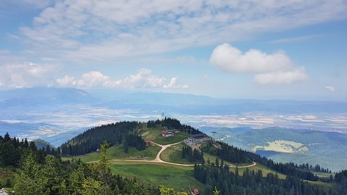 Vedere de pe vârful Postăvaru
