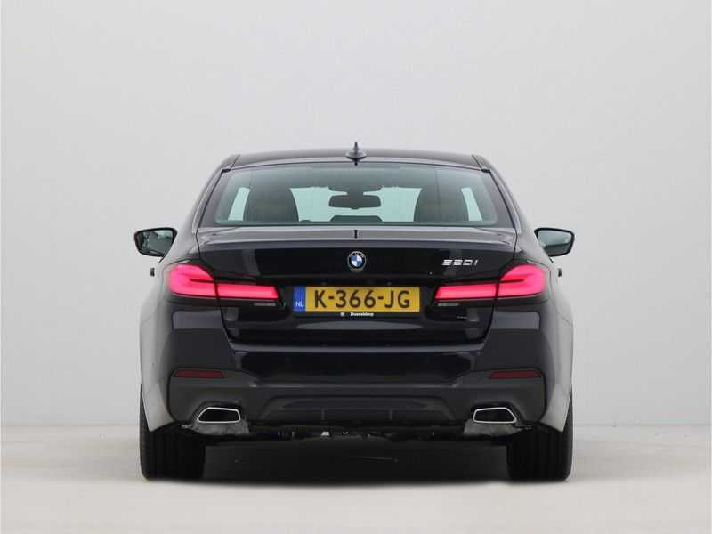 BMW 5 Serie Sedan 520i High Executive M-Sport Automaat afbeelding 5