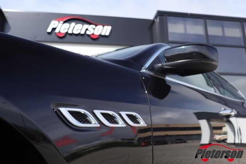 Maserati Quattroporte 3.0 D V6 SCHUIFDAK CAMERA LEDER afbeelding 5