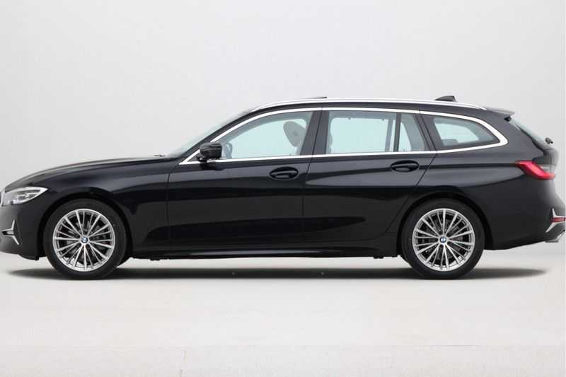 BMW 3 Serie Touring 320d Luxury Line High Executive afbeelding 2