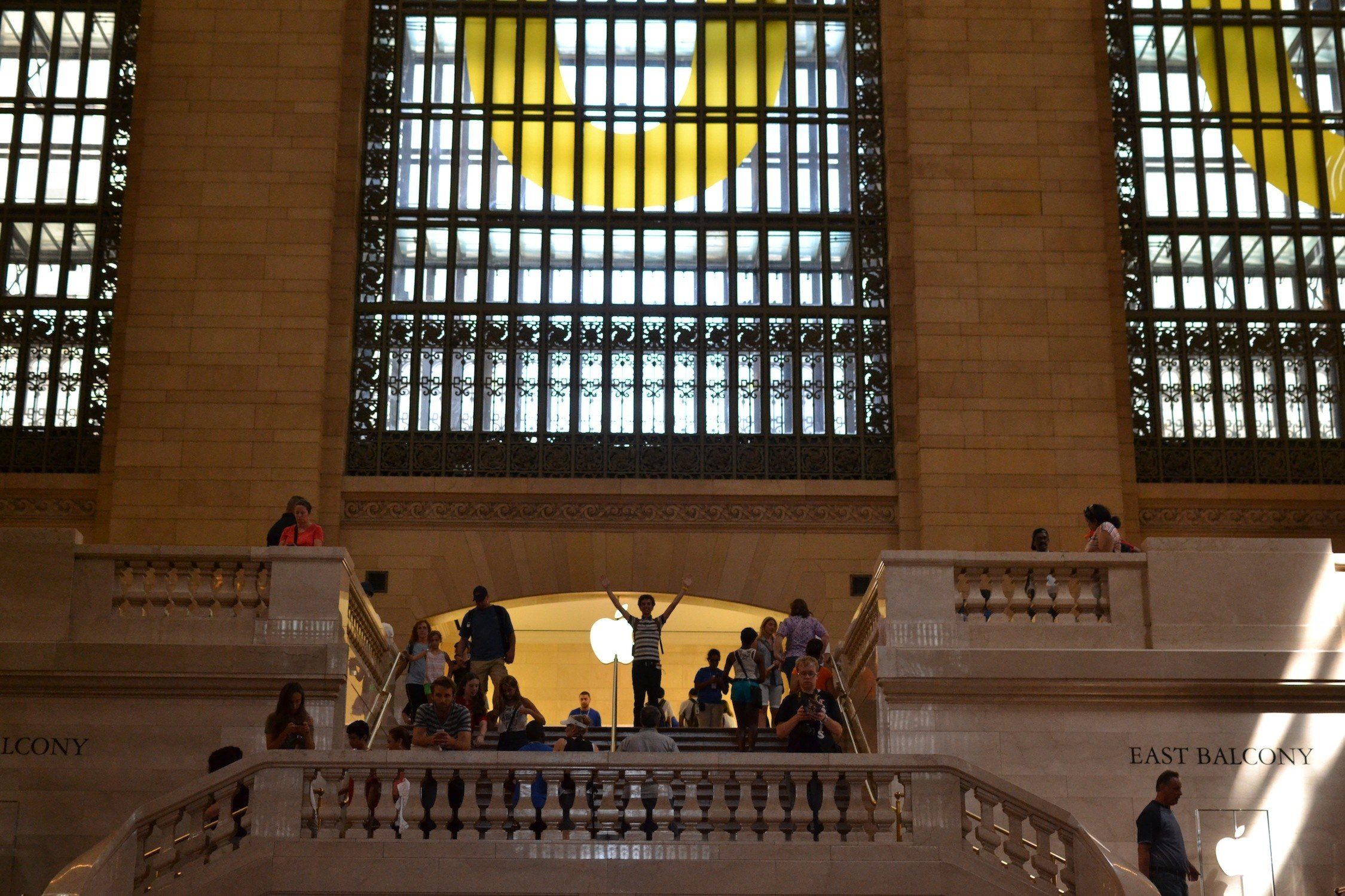 Apple Store in Grand Central Station!