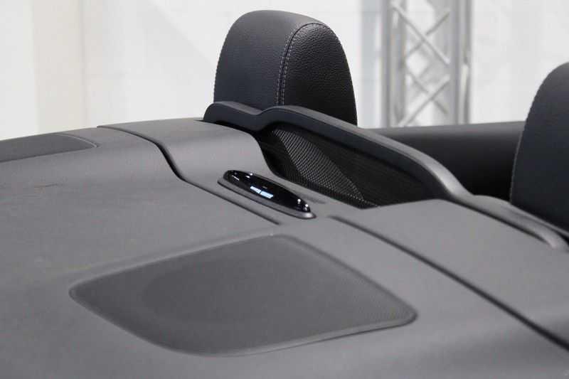 Mercedes-Benz C-Klasse Cabrio 180 Edition 1 AMG styling aut. afbeelding 17