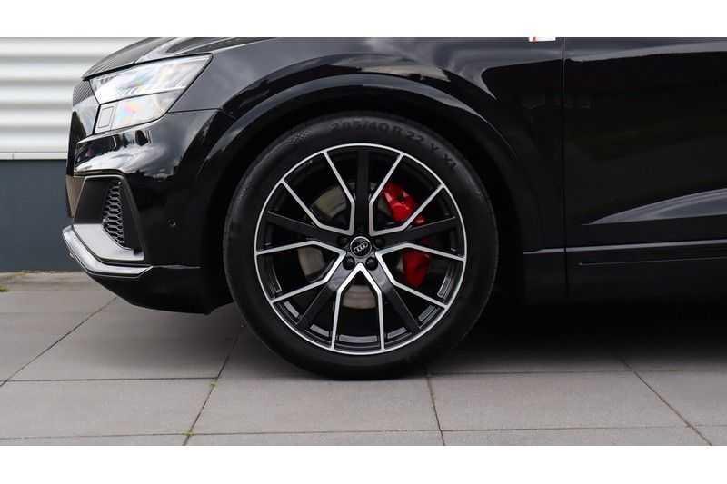 Audi Q8 55 TFSI quattro S-Line, Panoramadak, B&O, Massage, Ruitstiksel, Trekhaak afbeelding 4
