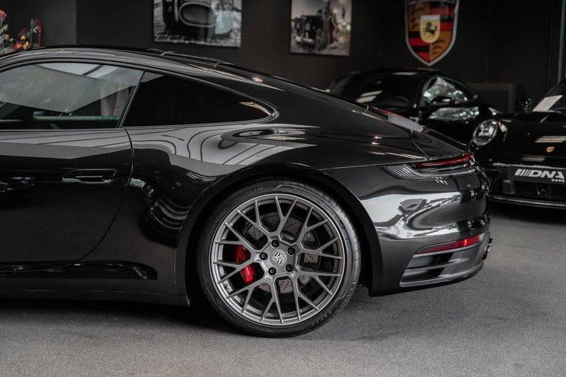 Porsche 911 992 S Coupe Akrapovic Race Cat Sport Chrono Pano Sport Uitlaat Adatieve Sportstoelen 3.0 Carrera S afbeelding 4