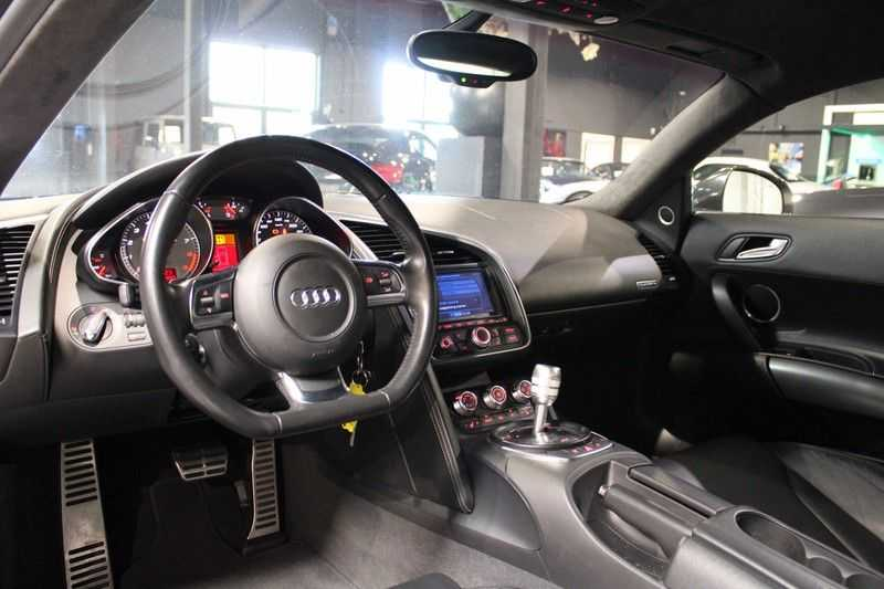 Audi R8 4.2 V8 FSI Coupe aut. Sportuitlaat afbeelding 6