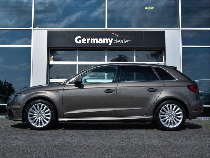 Audi A3 Sportback 1.4 e-tron PHEV Attraction Keyless 17-Inch LED 1e Eig! Clima Cruise Excl.BTW afbeelding 3