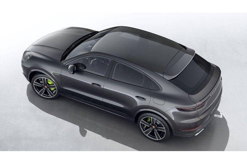 Porsche Cayenne Coupé Hybrid 22 Inch Lucht Vering Sport Chrono Trekhaak PDLS 3.0 E-Hybrid afbeelding 3