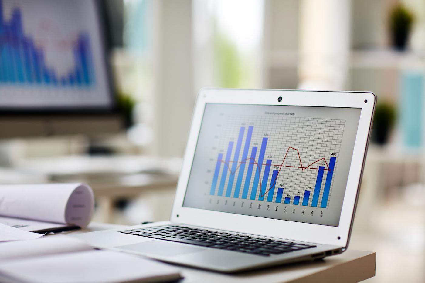 digital-graph-laptop