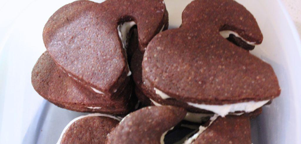 vegan Red Velvet cookie sandwiches