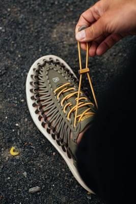 Lacing Keen Uneek Travel Sandal