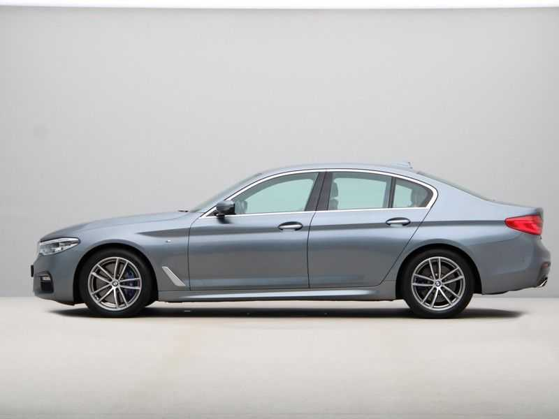 BMW 5 Serie 540i High Exe M-Sport Aut. afbeelding 9