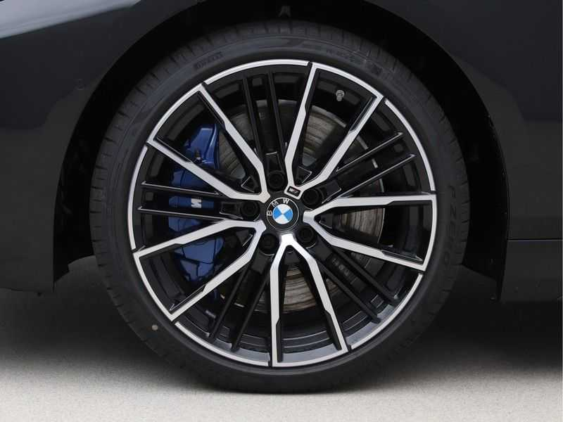 BMW 1 Serie 118i High Exe M-Sport Aut. afbeelding 22