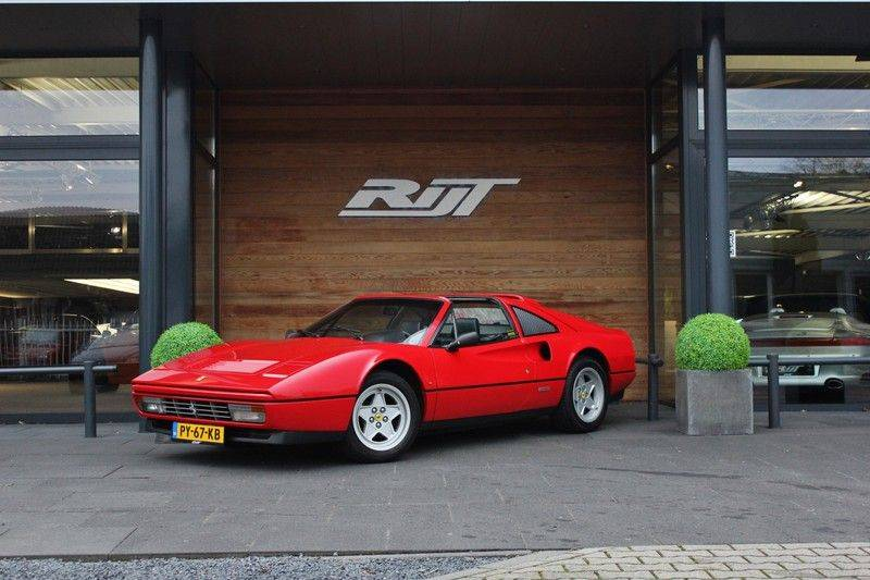 Ferrari 328 GTS Quattrovalvone 3.2 V8 270pk NL Auto afbeelding 1
