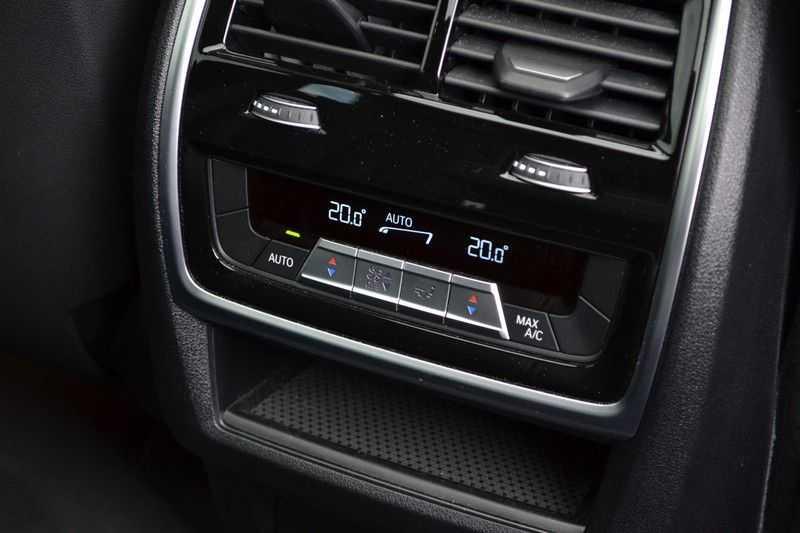 BMW X5 xDrive30d 265pk M-Sport Pano Luchtv Trekh DA+ PA+ Standk afbeelding 11