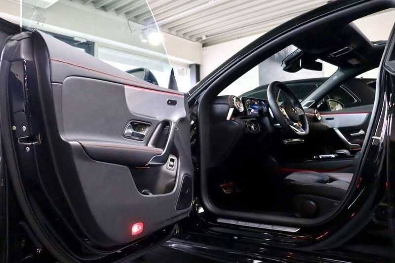 Mercedes-Benz CLA-Klasse 200 AMG Orange Edition PANO|Burmester|360cam|Sfeer afbeelding 4