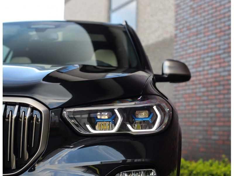 BMW X5 M50i X-Drive *Head-Up*Trekhaak*Laser* afbeelding 5