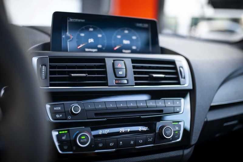 BMW M2 Coupé DCT *M-Performance uitlaat / LED stuur / H&K / Comp. velgen* afbeelding 23