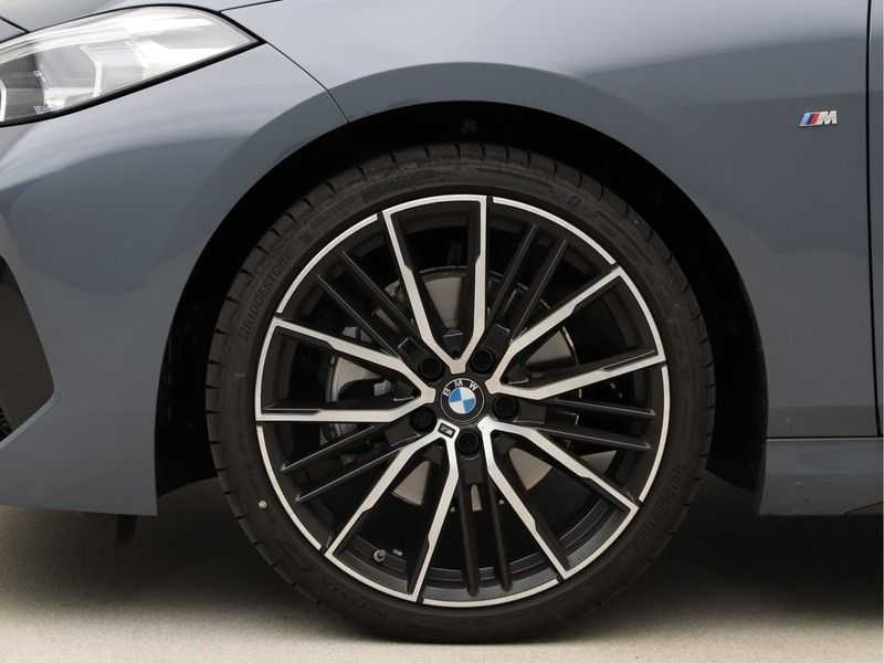 BMW 2 Serie Gran Coupé 218i High Executive M Sport 19 inch afbeelding 15