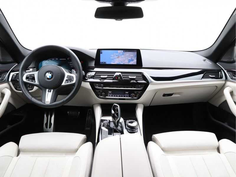 BMW 5 Serie Touring M550d xDrive High Executive Automaat Euro 6 afbeelding 20