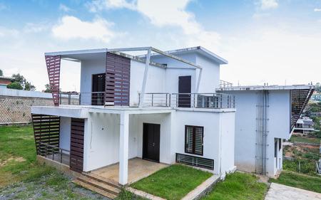 GRAND HOUSE IN COONOOR