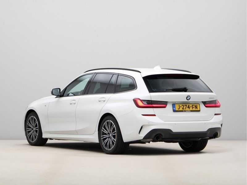 BMW 3 Serie Touring 320i Executive M Sport Aut. afbeelding 13