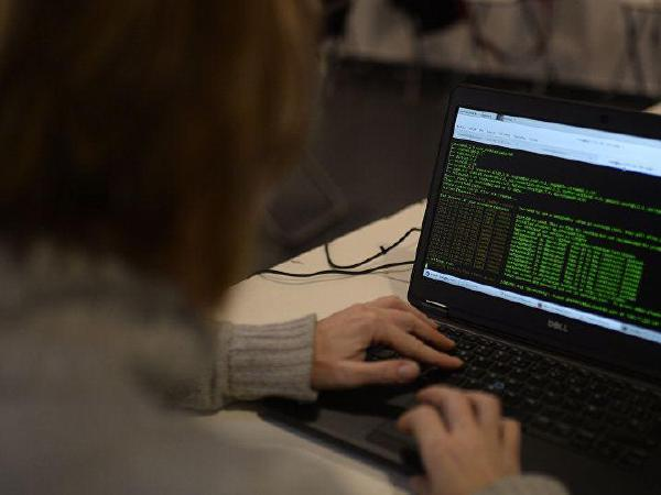'CIA   해킹' ,  아이폰,삼성  TV  이용