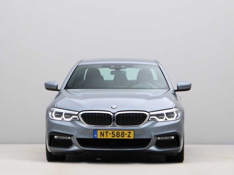 BMW 5 Serie 540i High Exe M-Sport Aut. afbeelding 8