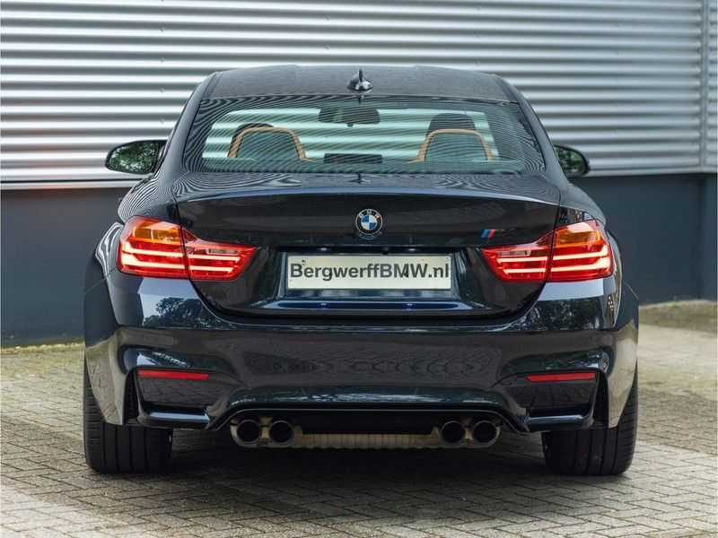 BMW 4 Serie Coupé M4 Competition - Individual afbeelding 2