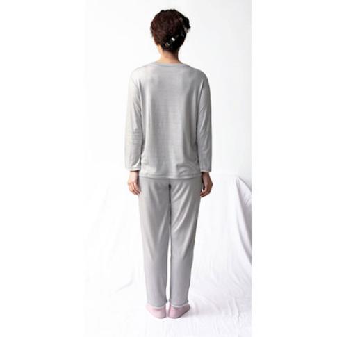 肌側シルクのパジャマ4