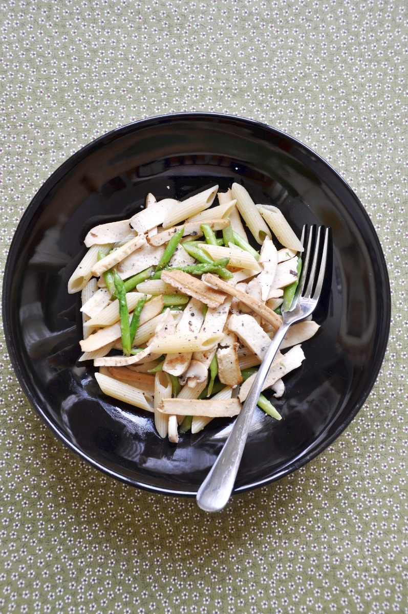 Penne Pasta with Mushroom and Asparagus