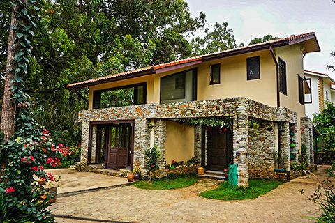 Gunina - House for Sale in Coonoor with gardens