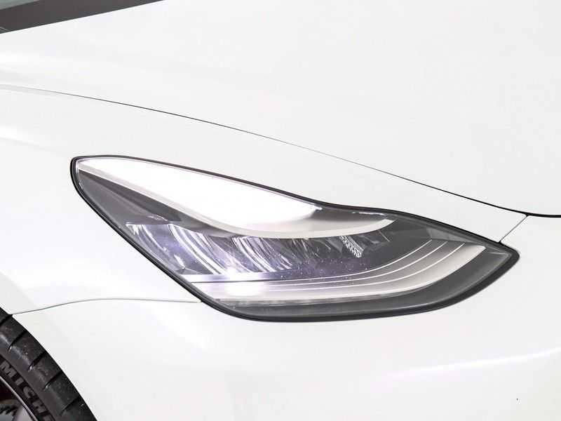 Tesla Model 3 Long Range All-Wheel Drive Performance Prijs is Incl. BTW   20'' grijze Performance-velgen   Performance upgrade   Performance remmen   Autopilot   afbeelding 17