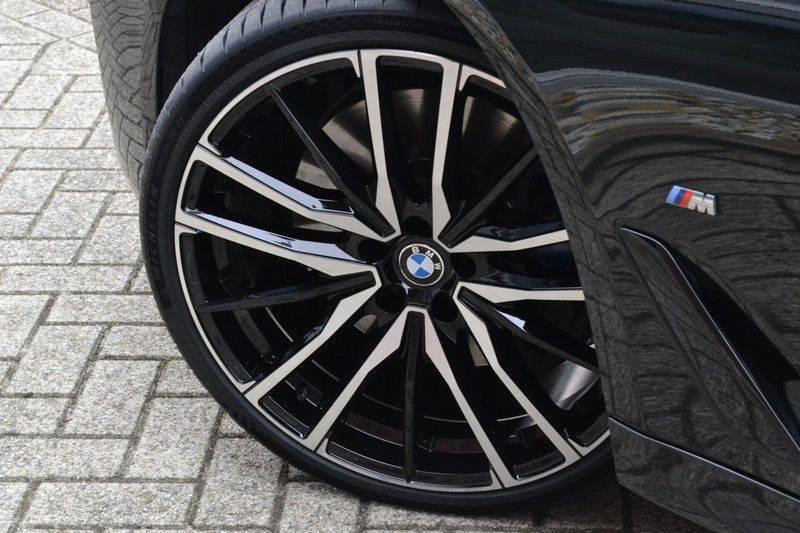 "BMW 5 Serie Touring 530d 286pk M-Sport Pano DA+ PA+ Laser 21"" Adp-drive HUD afbeelding 7"