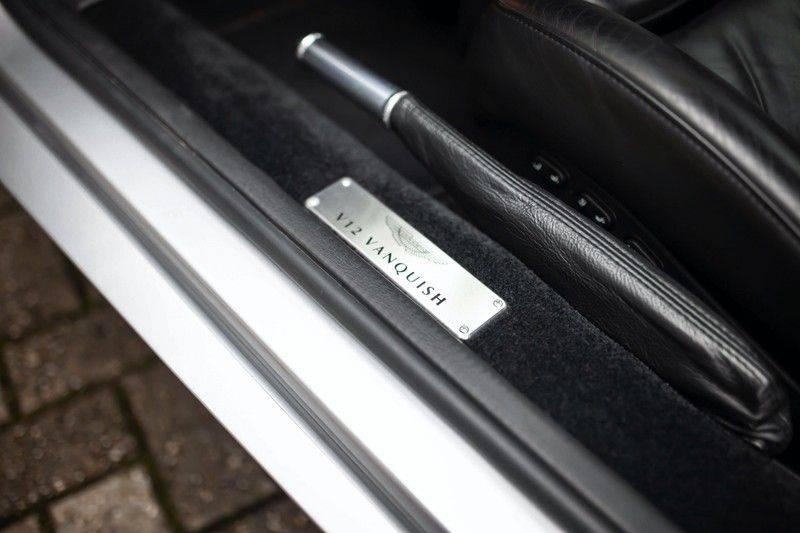 Aston Martin V12 Vanquish 5.9 *Absolute nieuwstaat!* afbeelding 21