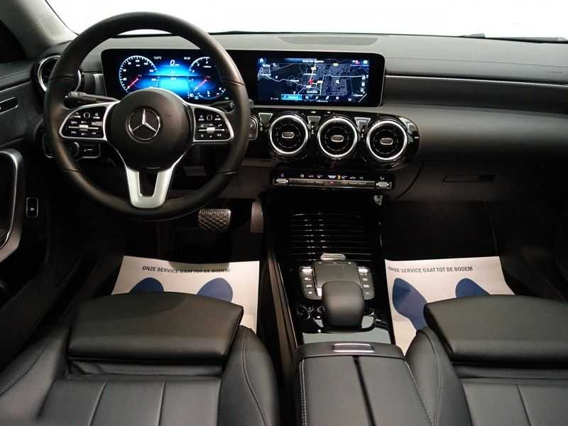 Mercedes-Benz CLA-Klasse AMG Night Edition Autom- Panodak, MBUX Widescreen, Leer, 2dkm! afbeelding 8