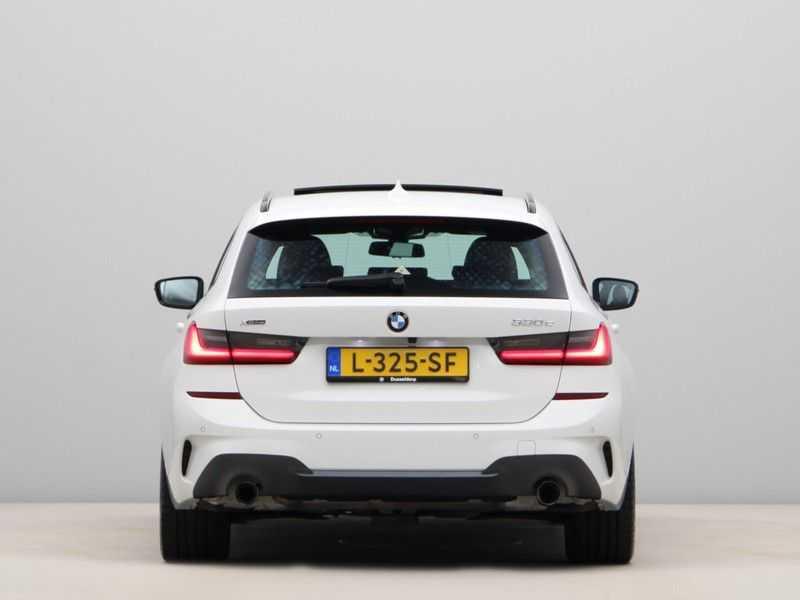 BMW 3 Serie Touring 330e xDrive Exe M-Sport Hybrid afbeelding 8
