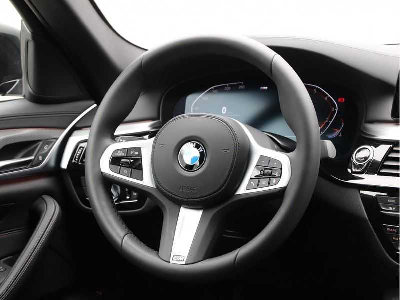 BMW 5 Serie 520i High Exe Aut. M-Sport afbeelding 5