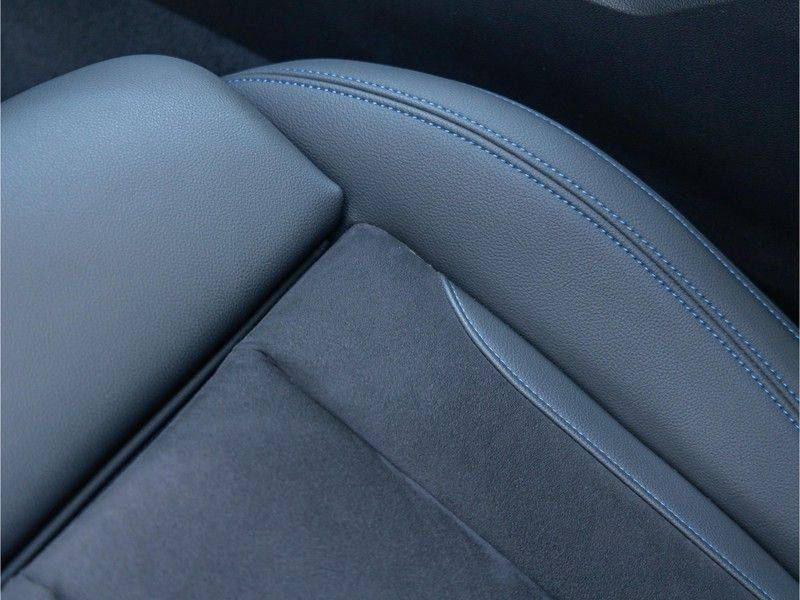 BMW 3 Serie Touring 330e xDrive M-Sport - Panorama - Active Cruise - Harman Kardon - Camera afbeelding 20