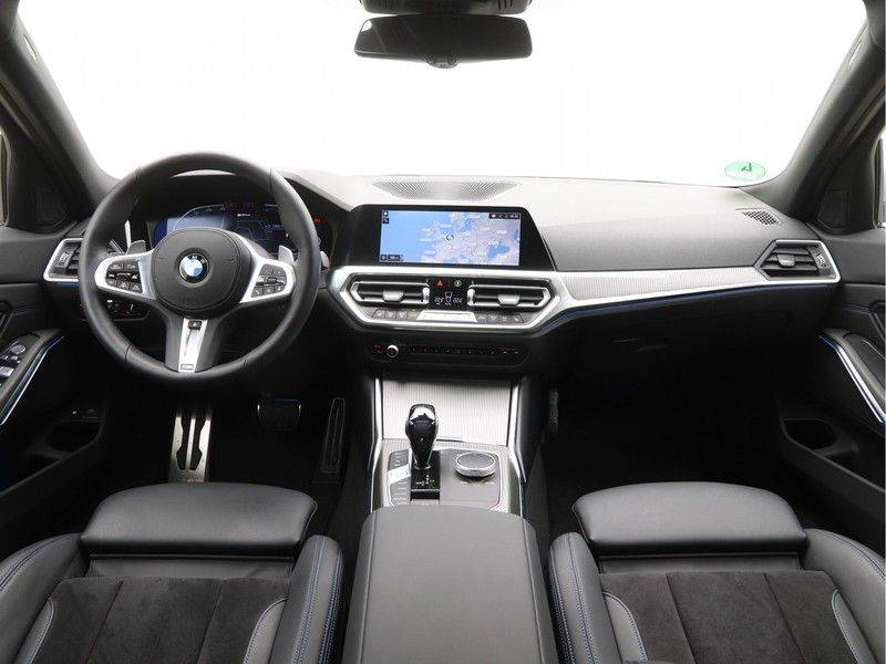 BMW 3 Serie Touring 330e xDrive High Executive Model M Sport afbeelding 13