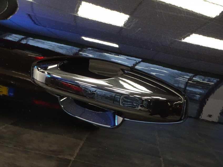 """Volvo XC40 Recharge P8 AWD R-Design EX BTW 20""""LM Panorama Leder 8% Bijtelling meerdere op voorraad! afbeelding 8"""