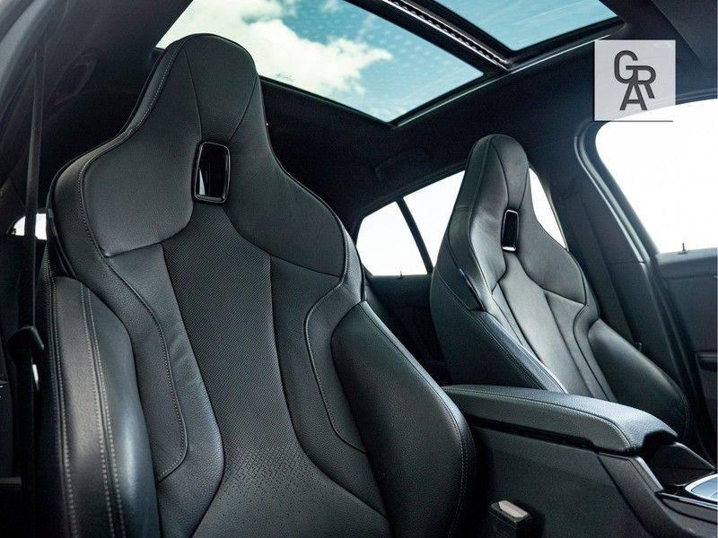 BMW 1 Serie M135i xDrive High Executive afbeelding 10
