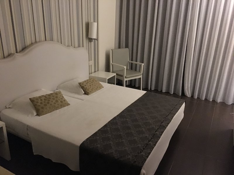 Room at hotel Pontao