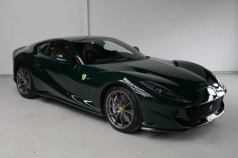 Ferrari 812 6.5 V12 Superfast Carbon in & exterieur - JBL - Camera afbeelding 4